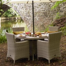 Royalcraft Seychelles Natural 4 Person Round Dining Set With Polywood Table Top & Carver Chairs