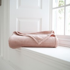 Deyongs Snuggletouch Throw 140cm x 180cm Pink