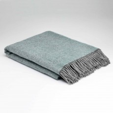 McNutt Home Cosy Aqua Throw 145cm x 200cm Blue