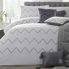 Laurence Llewelyn-Bowen Cocktail Duvet Cover Set White