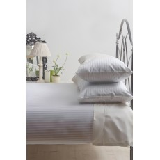 Belledorm Hotel Stripe Double Duvet Set Platinum