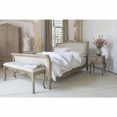 Willis & Gambier Camille Oak King (150cm) Upholstered Low End Bedstead