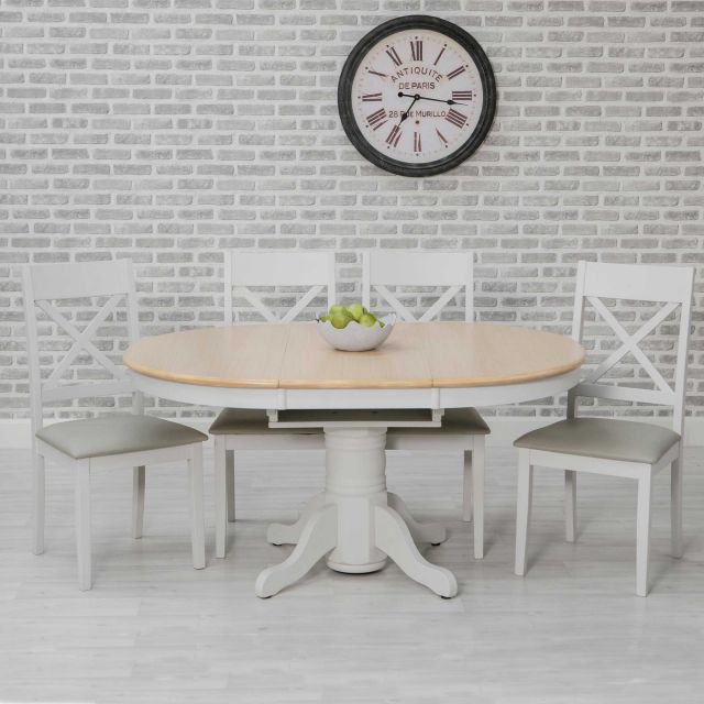 ohio 46 person round extending dining table oak effect